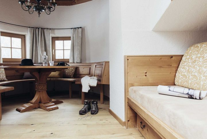 Zimmer Ötztal :: Ihr Zimmer & Ihre Suite in Oetz
